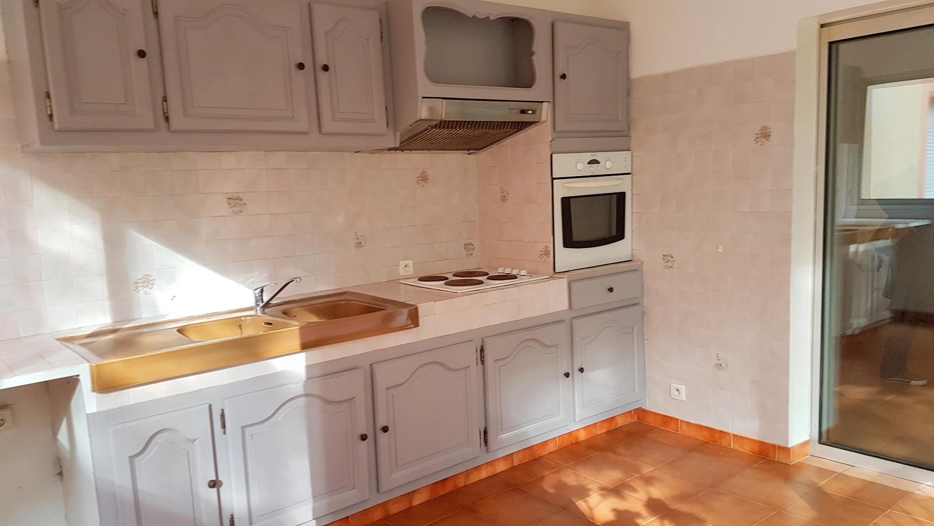 annonce vente appartement la ciotat 13600 33 m 136 500 992739621622. Black Bedroom Furniture Sets. Home Design Ideas